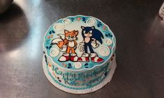A hand piped Sonic the Hedgehog cake in buttercream. Sonic Birthday Cake, Sonic The Hedgehog Cake, Hand Pipes, Fondant, Bakery, Desserts, Tailgate Desserts, Deserts, Postres