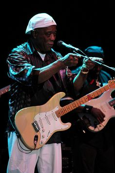 Buddy Guy - I think this is the same Strat he played at the 1990 Festival Internationale de Louisiane, but I could be mistaken. That was an amazing performance.