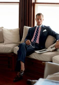 business mens fashion which look cool:) 974508 Mens Tailored Suits, Mens Suits, Men's Business Outfits, Business Fashion, Preppy Mens Fashion, Suit Fashion, Mens Clothing Brands, Clothing Accessories, Polo Outfit