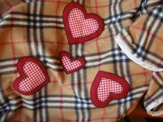 Manta e saco  em soft xadrez com aplicações em tecido R$75,00