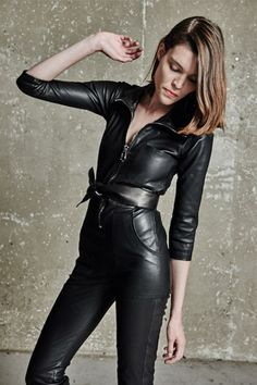 Leather Pants Outfit, Leather Jumpsuit, Black Leather Dresses, Leather Jeans, Pu Leather, Shiny Leggings, Leggings Are Not Pants, Leder Outfits, Paris Mode