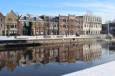 City reflections in white -
