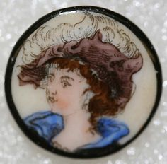 Circa 1880 British porcelain button from the collection of the Metropolitan Museum of Art