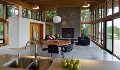 The Hotchkiss Residence in Vancouver, Washington by Scott Edwards Architecture - Interior Design Journal Casa Park, Casas Country, Bungalow, Concrete Kitchen, Concrete Floors, Design Your Kitchen, Smart Design, Modern Design, House Roof