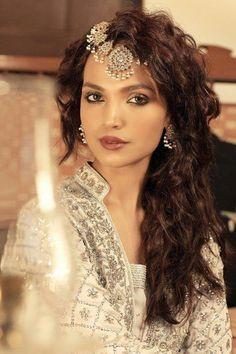 www.vagabomb.com amp 40-Gorgeous-Headpieces-for-Indian-Brides
