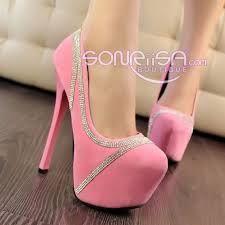 Beautiful heels = Hermosos tacones