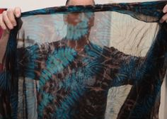Carter Smith - shibori dyeing | lots of photos Textile Design, Textile Art, Carter Smith, Shibori Techniques, Textiles, Zen Doodle, How To Dye Fabric, Silk Painting, Fiber Art