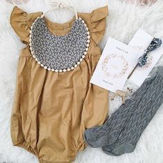 Baby girl outfit Baby Girl Fashion, Toddler Fashion, Kids Fashion, Cute Baby Girl, Cute Babies, Baby Baby, Baby Kids Clothes, Baby Month By Month, Baby Pictures