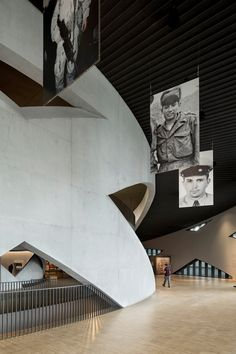 allied works wraps national veterans memorial & museum with concrete ribbons in ohio Museum Architecture, Interior Architecture, Interior Design, Contemporary Museum, Memorial Museum, Veterans Memorial, Ohio, Concrete, Memories