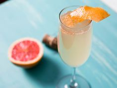 Grapefruit and Ginger Sparkler, INGREDIENTS 1 ounce fresh squeezed grapefruit juice 1/2 ounce Domaine de Canton ginger liqueur 3 to 4 ounces Prosecco or other sparkling wine Grapefruit wedge to garnish