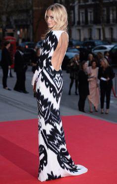 La robe dos-nu de Poppy Delevingne