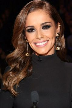 Cheryl Fernandez-Versini's friends just let slip some *hugely* exciting news of hers! Cheryl Cole Makeup, Cheryl Cole Style, Cheryl Ann Tweedy, Cheryl Fernandez Versini, Hair Trends, Her Hair, Hair Inspiration, Beauty Hacks, Beauty Tips