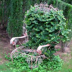 Vertical Garden Ideas and Pictures: An Old Wrought Chair Makes an Unusual Vertical Garden Idea
