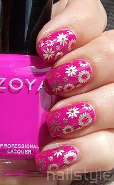 Nailstyle: Zoya Charisma with bold stamping