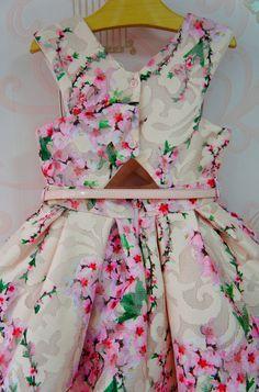 Baby Girl Frocks, Frocks For Girls, Kids Frocks, African Dresses For Kids, Little Girl Dresses, Girls Dresses, Flower Girl Dresses, Kids Dress Wear, Baby Dress