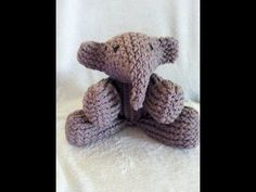 ▶ How to Loom an Elephant - YouTube  Totallllllly making this for my nephew =)