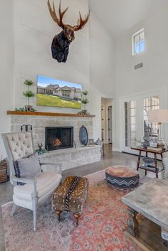 Texas Hill Country Farmhouse - All Over Solutions Concrete Floors In House, Texas Living Rooms, Ranch Style Decor, Home Wall Colour, Prairie House, Modern Farmhouse Interiors, Kitchen Cabinet Colors, Custom Built Homes, Texas Hill Country