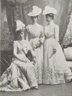 Thyra with Olga and Alexandra in 1900 at Marie-Louises wedding to Max of Baden.
