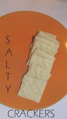 Felt Saltine Crackers Tutorial food salty A Collection of our Free Felt Food Patterns and Tutorials Felt Diy, Felt Crafts, Diy Crafts, Play Kitchen Food, Play Kitchens, Kid Kitchen, Felt Food Patterns, Pretend Food, Pretend Play
