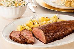Rosbife de filé mignon, arroz com champagne e batatas douradas por Academia da carne Friboi