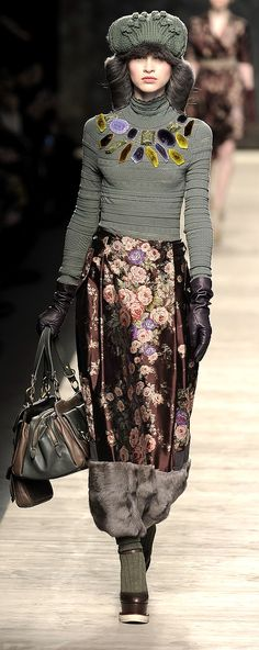 Kenzo Paris Fashion Week. knit-crystal-maxi