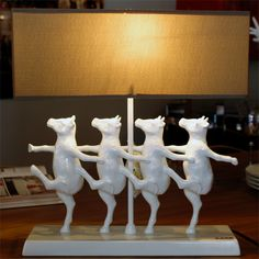 Detrás de cada objeto, hay una gran inspiración. En KARE queremos potenciar tu creatividad a través de nuestros diseños.  #Cow #Lights #Lamp