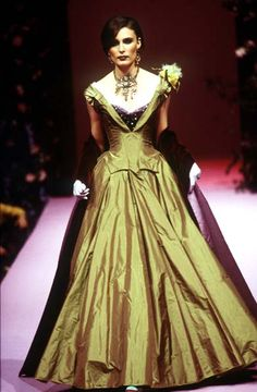Christian Lacroix - Haute Couture - Runway Collection - Women Fall / Winter 1995