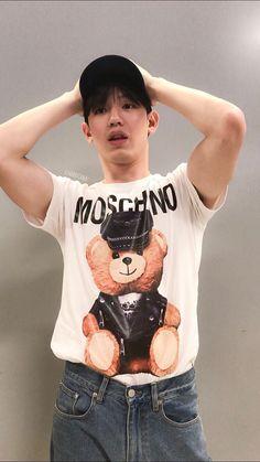 Hot Asian Men, Asian Boys, Nick Robinson, Thai Drama, Ulzzang Boy, Drama Series, Asian Actors, Boyfriend Material, Pretty Boys