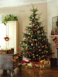 Prachtig! Super groot kerstboom met veel kleur