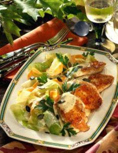 Gebratene Hähnchenbrust mit Gemüse und Senfsoße