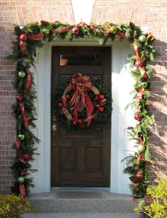 Holiday door designs by Nature of Design with Janet Flowers