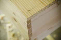 By Joshua Farnsworth HOW TO CUTWOODWORKING JOINTS WITH HAND TOOLS Woodworkers cut joints in wood in order to get the wood to fit (and stay) together to create furniture.Below you will see many freeWood And Shop video tutorials for cutting various furniture joints using traditional hand tools. You