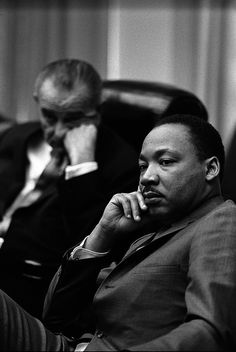 Martin Luther King Jr and President Lyndon Johnson, White House, 1966, by Yoichi R. Okamoto | Flickr – Condivisione di foto!