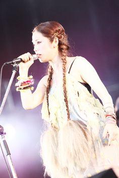 Chara, Japanese Fashion, Music Artists, Animals And Pets, Musicians, Fashion Beauty, Kawaii, Woman, Portrait