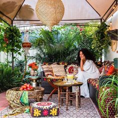 La créatrice du blog The Jungalow s'inspire tous les jours des plantes, et nous communique sa passion !