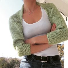 Simple knitted shrug, free pattern by marni made it.