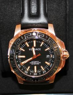 Luxstyle4u - Versace Watches Round Automatic Watch In Black