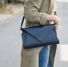 Leatherbag by @sylwia.gorzkowicz #designerbag #leatherbags #slowfashion #leathercrafter #luxuryleather #polanddesigners #handmadeinpoland #bagoftheday #bag #designer Slow Fashion, Maze, Leather Bag, Luxury, Instagram, Design, Labyrinths