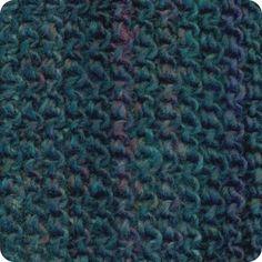 Etnic: 40% Wool/Lã, 6% Alpaca, 54% Acrylic/Acrílico. Needles/Agulhas 7-8 (USA 10 1/2-11). Weight/Gramagem 100g = 120m (3.50oz = 131yds)