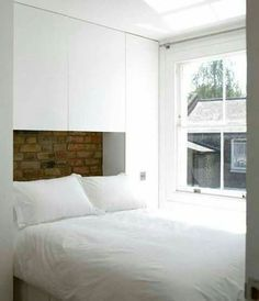 Resultado de imagen de full closets around a bed