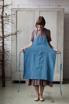 BLUE TRADITIONAL APRON