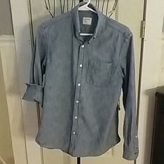 Medium Wash Denim Shirt Size Small Perfect condition adorable denim top. Slightly fitted Feel free to make an offer! Old Navy Tops Button Down Shirts