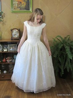 Jessica McClintock Wedding Dress Ecru by GreenFoxStyle on Etsy, $140.00