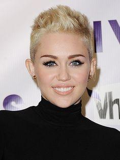 miley cyrus hairstyle 2012 VH1 Divas in LA -cosmopolitan uk
