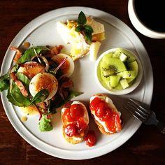 .@keiyamazaki (Kei Yamazaki) 's Instagram photos | Webstagram - the best Instagram viewer Wine Recipes, Cooking Recipes, Healthy Recipes, Breakfast For Dinner, Breakfast Recipes, B12 Foods, Happy Foods, Morning Food, Snack