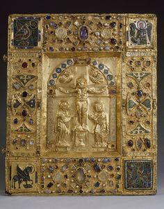 Gold bk cover from Trier, Louvre Medieval Books, Medieval Manuscript, Illuminated Manuscript, Louvre Paris, Early Middle Ages, Byzantine Art, Book Of Hours, Bnf, Antique Books