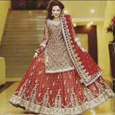 Beautiful And Luxury Wedding Outfit For Bridal 25 Asian Bridal Dresses, Bridal Mehndi Dresses, Bridal Dress Design, Pakistani Wedding Dresses, Bridal Outfits, Designer Wedding Dresses, Indian Dresses, Bridal Lehenga, Pakistan Bride