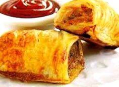 Vulsel: maalvleis sout spekvleis, swoerdloos, gesnipper knypie neutmuskaat tafelsmaakmiddel na smaak 2 snye witbrood (gekrummel) asyn koljander knypie kaneel Deeg: 4 … South African Dishes, South African Recipes, Kos, Ma Baker, Savory Pastry, Savoury Tarts, Good Food, Yummy Food, Sausage Rolls