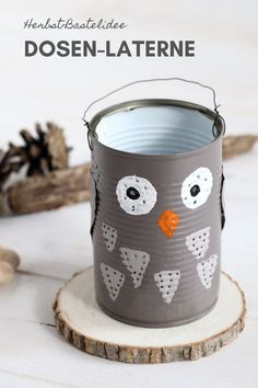 DIY: Eulen-Laterne aus Dose basteln Upcycling: Canning Lantern Making is a creative upcycling idea in the fall season. The owl lantern can also be used as a table lamp. Can Lanterns, How To Make Lanterns, Fall Crafts, Diy And Crafts, Summer Crafts, Easter Crafts, Diy For Kids, Crafts For Kids, Owl Lantern