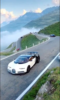 Bugatti - Luxury Cars, Classic Cars, Sports Car, Best Luxury Suv and Exotic Cars Lists Exotic Sports Cars, Luxury Sports Cars, Cool Sports Cars, Sport Cars, Cool Cars, Exotic Cars, Bugatti Cars, Lamborghini Cars, Bugatti Veyron